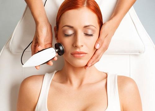 یکی از روش های جوانسازی پوست استفاده از لیزر فراکشنال می باشد.
