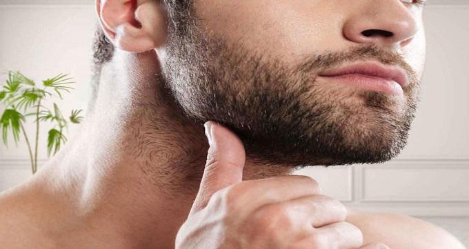 کاشت ریش و سبیل طبیعی در مردان
