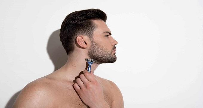 دلایل ریزش مو در نواحی سبیل و ریش